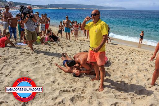 Simulação de salvamento na praia (foto ANS Nazaré)