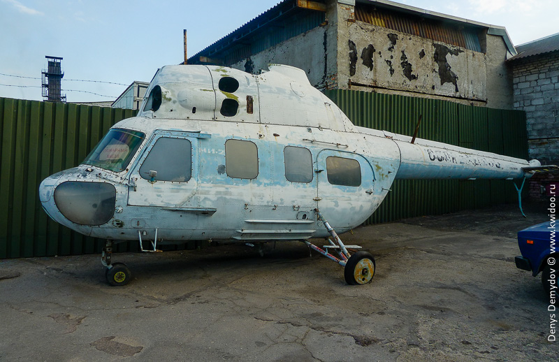Старый вертолет. Возможно его тоже ждет возрождение для музея?