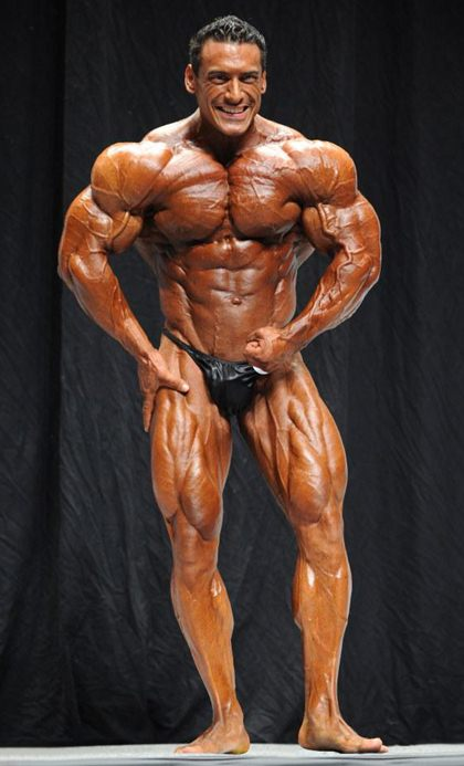 Competitive Bodybuilders - Sexy in Posing Trunks