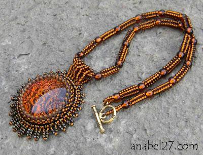 купить кулон золотистио-оранжевый с кабошоном из дихроичного стекла Anabel