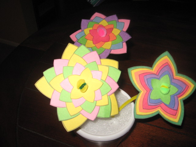 arts and crafts ideas with construction paper every cloud construction paper flowers 7979