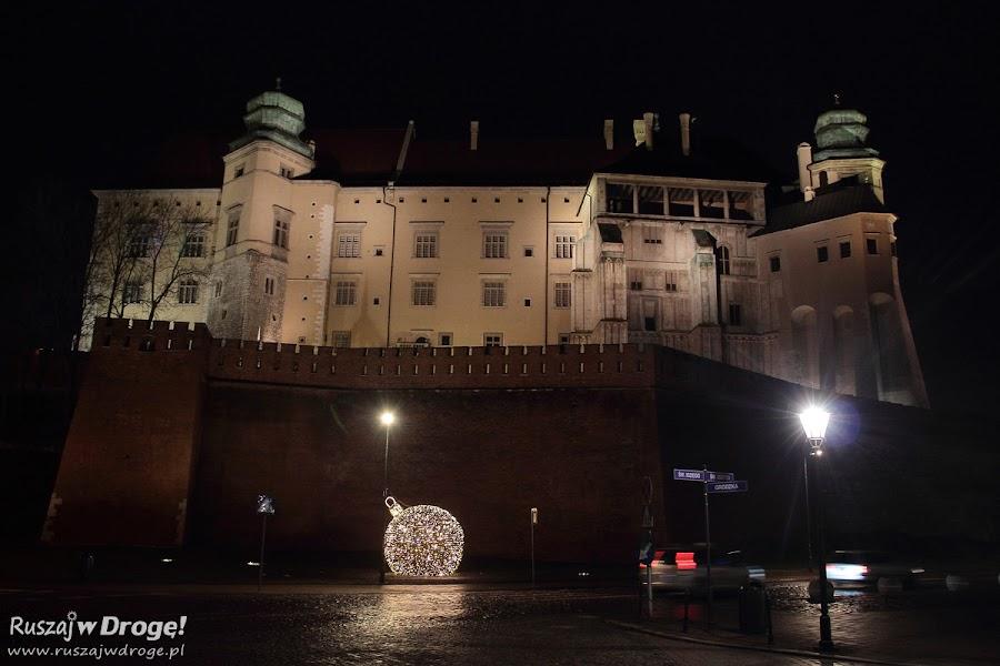 Krakowski Wawel nocą