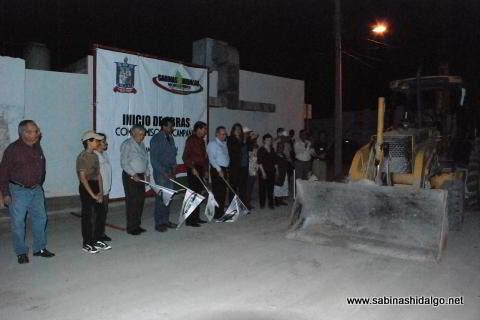 Banderazo de salida a la pavimentación de la calle Aldama
