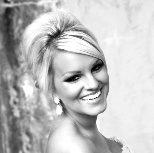 Ashley Aaron Photo 18