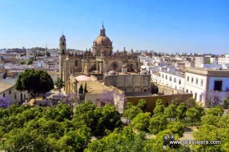 Panorámica de Jerez de la Frontera y su Catedral desde el Alcázar
