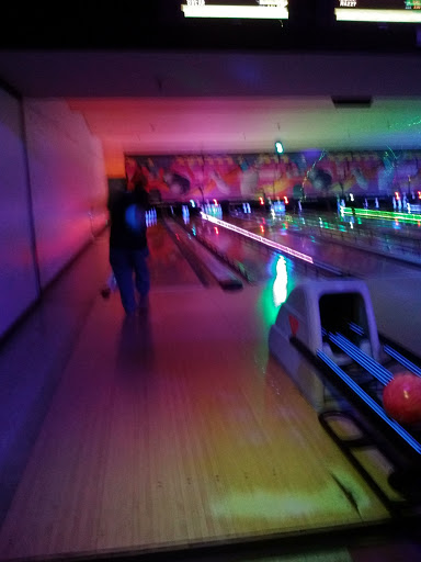 Pickwick Bowl - 80 Photos & 130 Reviews - Bowling ...