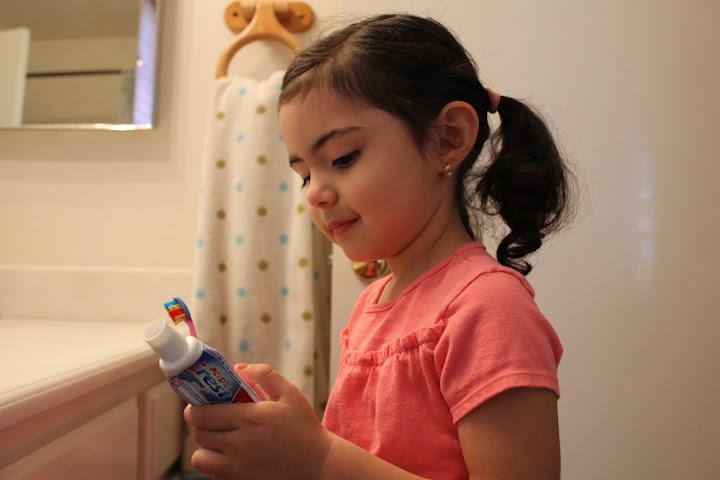 Higiene oral, salud dental en los ninos, cepillar los dientes ninos