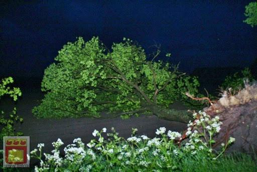 Noodweer zorgt voor ravage in Overloon 10-05-2012 (26).JPG