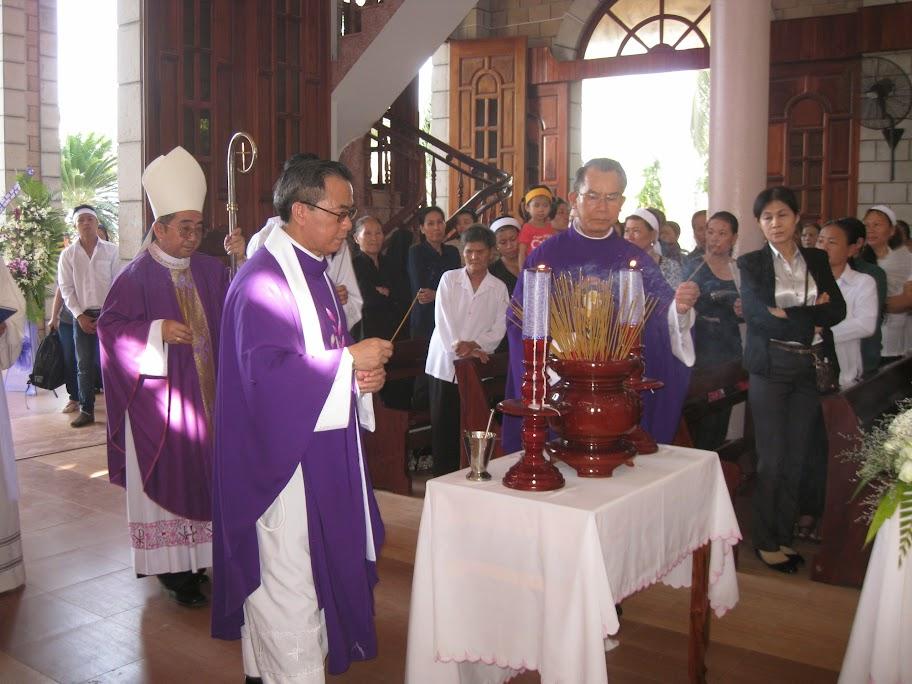 Hình ảnh thánh lễ an táng bà Cố Anê thân mẫu Cha Giuse Nguyễn Thường