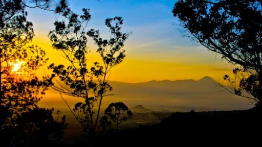 Matahari Terbit di Hari Ekuinoks