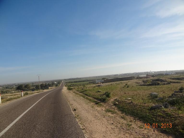 Marrocos e Mauritãnia a Queimar Pneu e Gasolina - Página 2 DSC05489