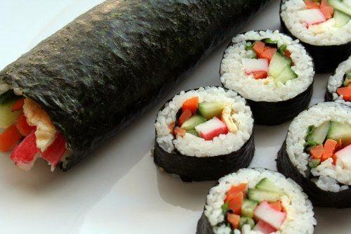 Gimbap (enrollado de arroz en alga laver)