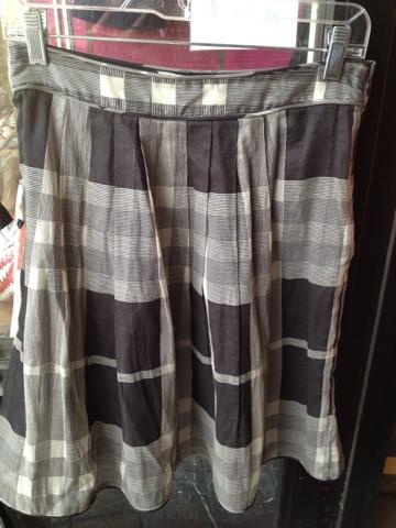 Burberry Skirt Size 6 $180