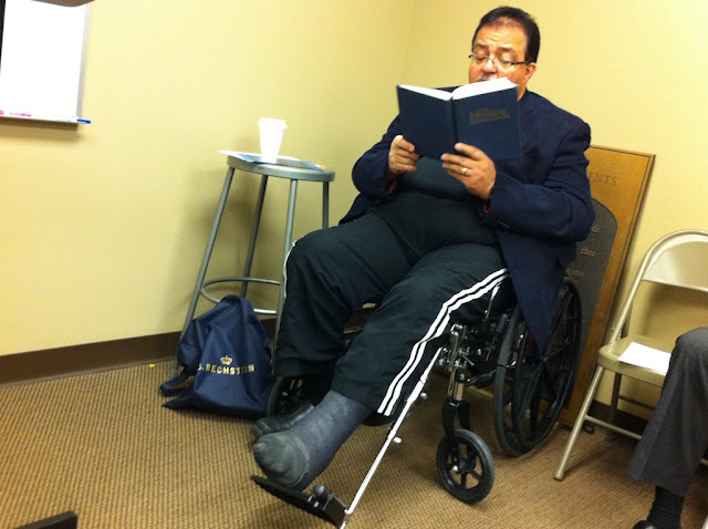 Мужчина в коляске пришел на воскресную школу