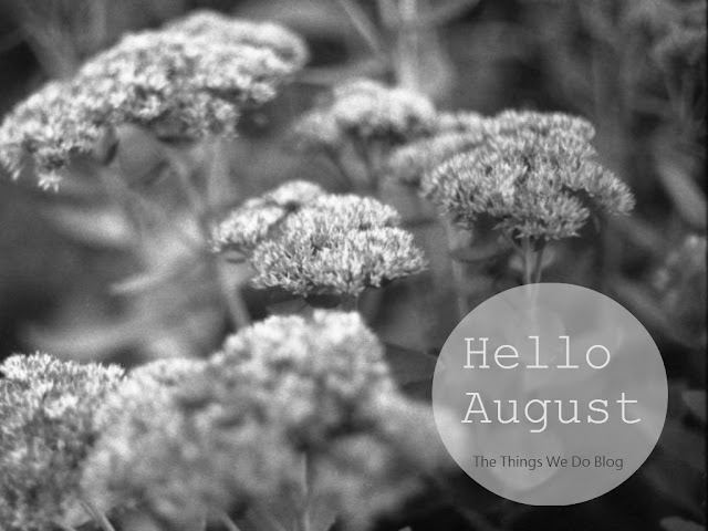 Hello August Wallpaper _black&white