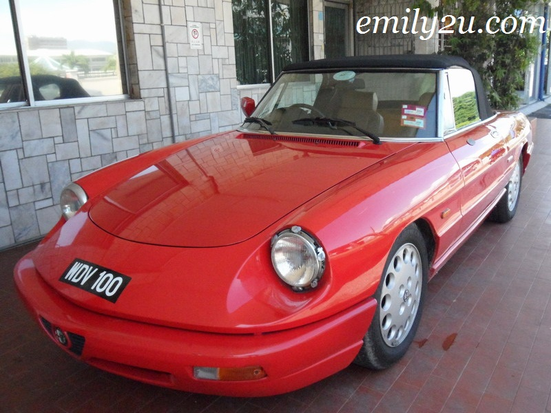 2-Door Alfa Romeo Spider 2.0 Convertible