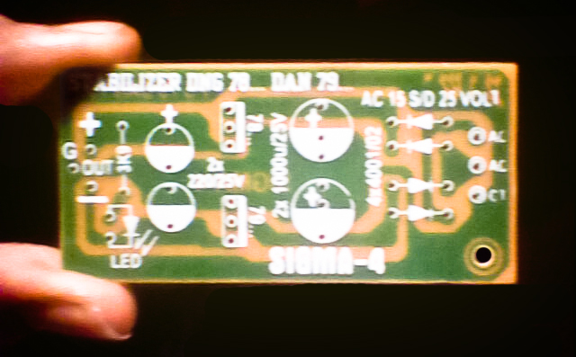 78XX and 79XX stabilizer circuit with mini PCB design