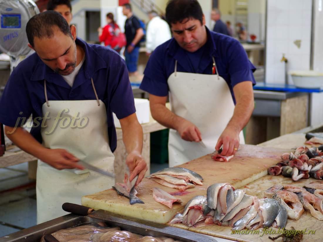 Рынок Фуншала, разделка рыбы