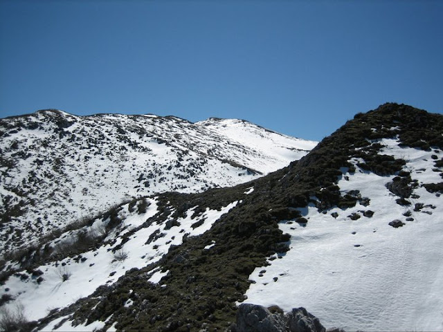 Rutas Montaña Asturias: Asoma la cima de Peña Saleras