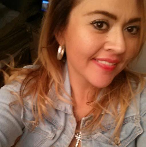 Becky Venegas Photo 12