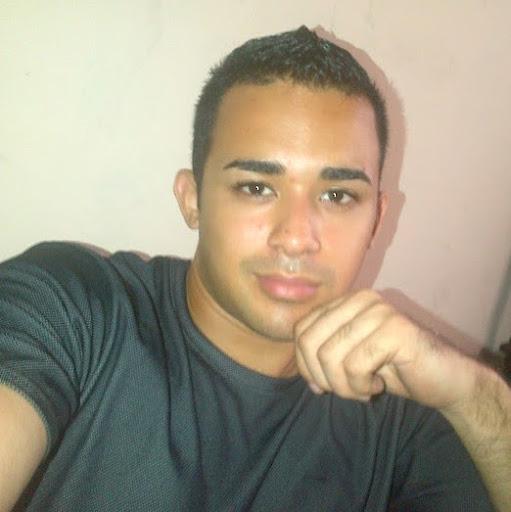 Roberto Menendez Photo 16