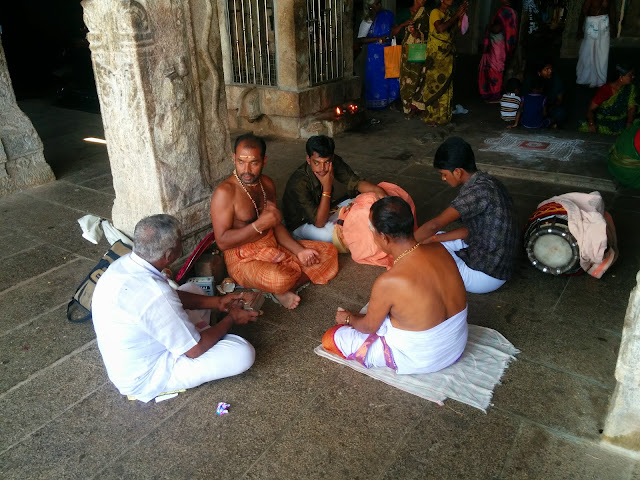 Traditional Artist group at Lakshmi Pati Temple, Kallidaikurichi