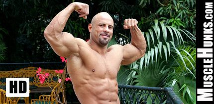 Hot Hunk Male Bodybuilders