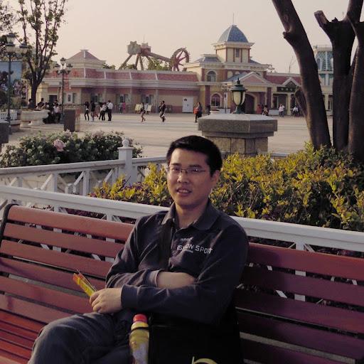 Tom Zhou