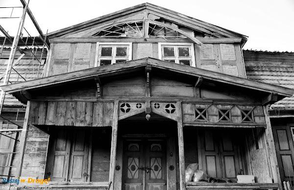 zrujnowany dom żuławski w Nowej Cerkwi