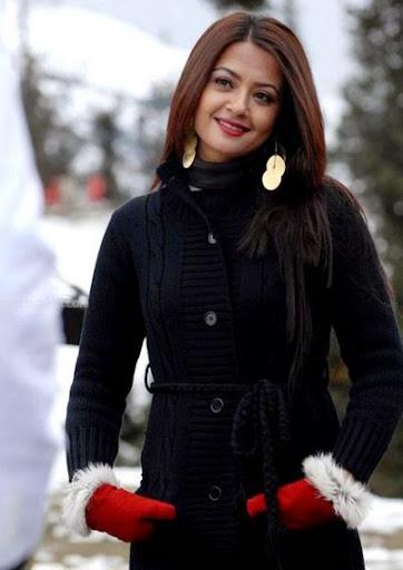 Surveen Chawla Photos