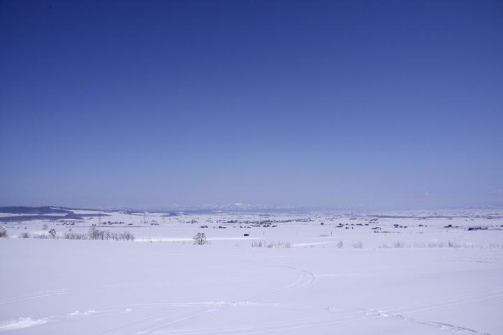 写真:はてしなく広がる青と白の世界