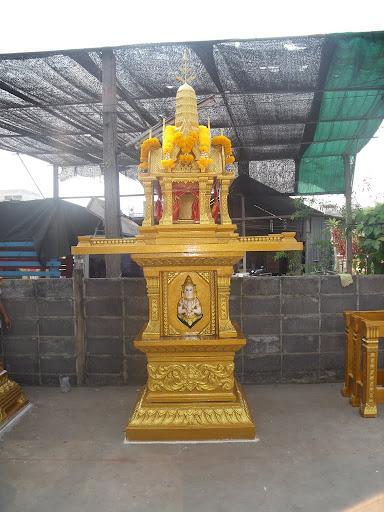 (ศาลพระภูมิ) ลพบุรีเบอร์ 1 จั่วไทย เสาเทพพนม