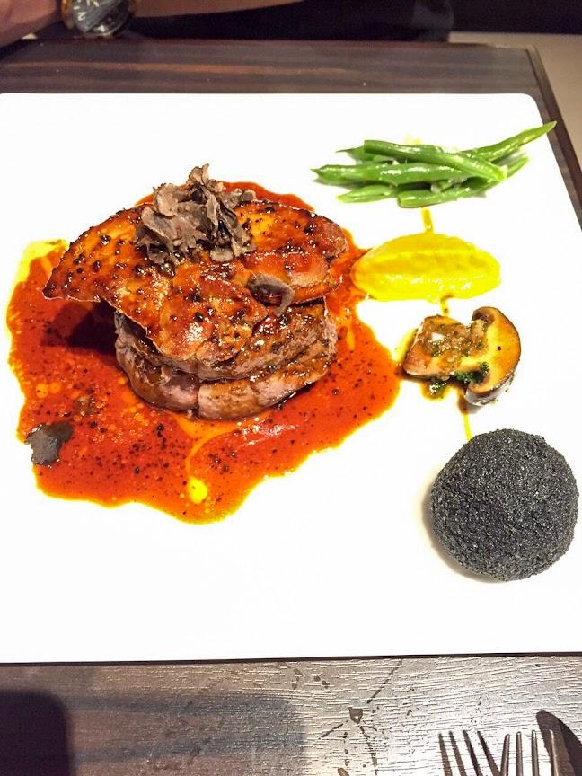 牛フィレ肉とフォワグラのソテー 黒トリュフソース 「ロッシーニ」