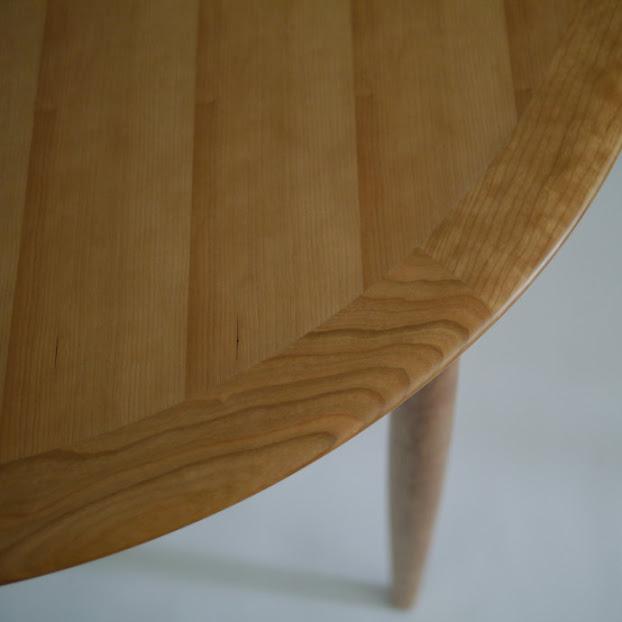 ユニバースラウンドテーブル:角斜め