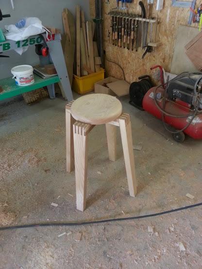 Chaise design pour petit garçon 20140311_163656