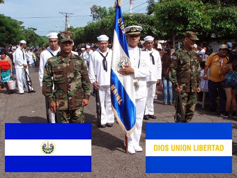 Las tres banderas de El Salvador