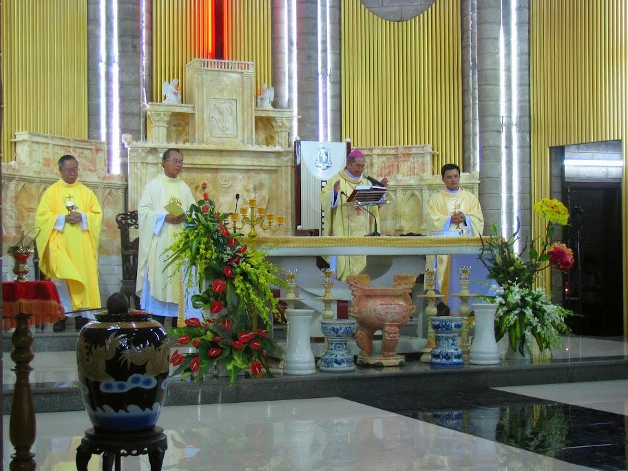 Tam Nhật Thánh (2015) tại nhà thờ chánh tòa Nha Trang.