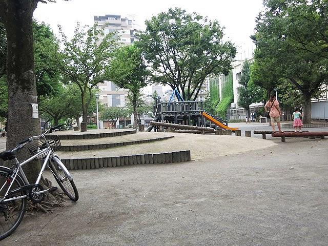 お店のスグ近くにある竹町公園