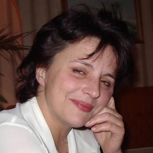 Anna Karewicz Photo 5