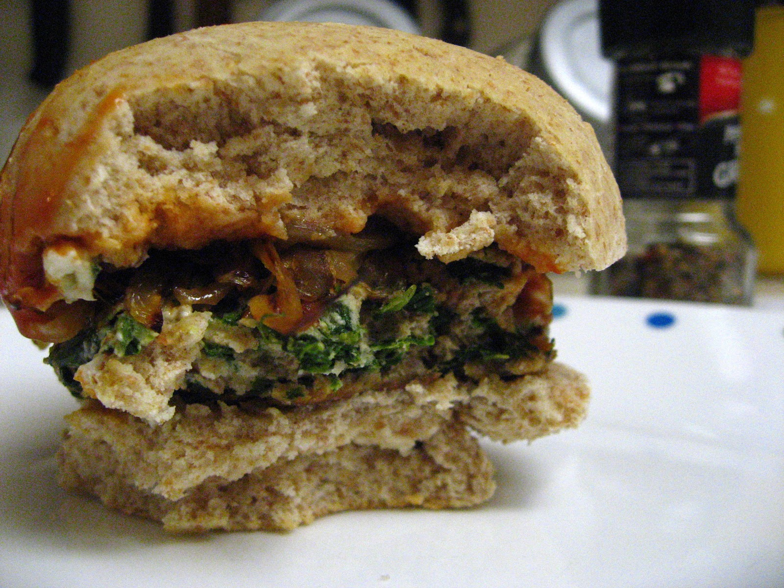 yellebellyboo: Spinach and Goat Cheese Turkey Burgers with Homemade ...