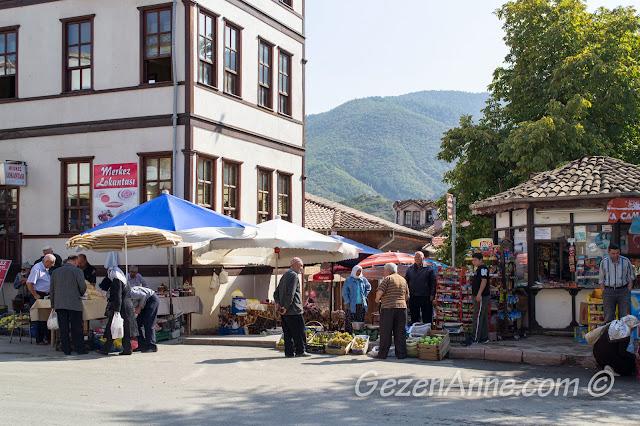Taraklı'da yerel ürün satıcıları