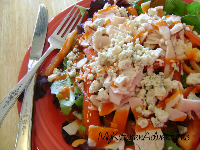 Buffalo Chicken Salad (In a hurry!): quick low calorie salad!