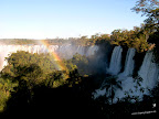 Cataratas del Iguazú con arcoiris