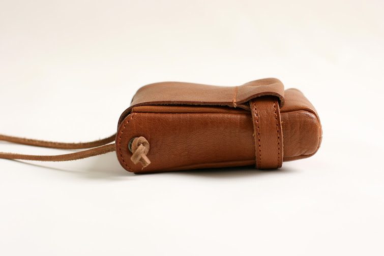 pouch size S: camel