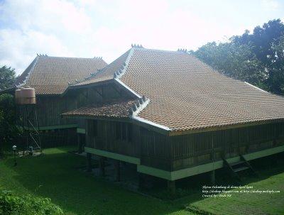 RumahKita.com: (Rumah Limas)Rumah adat Sumatra Selatan