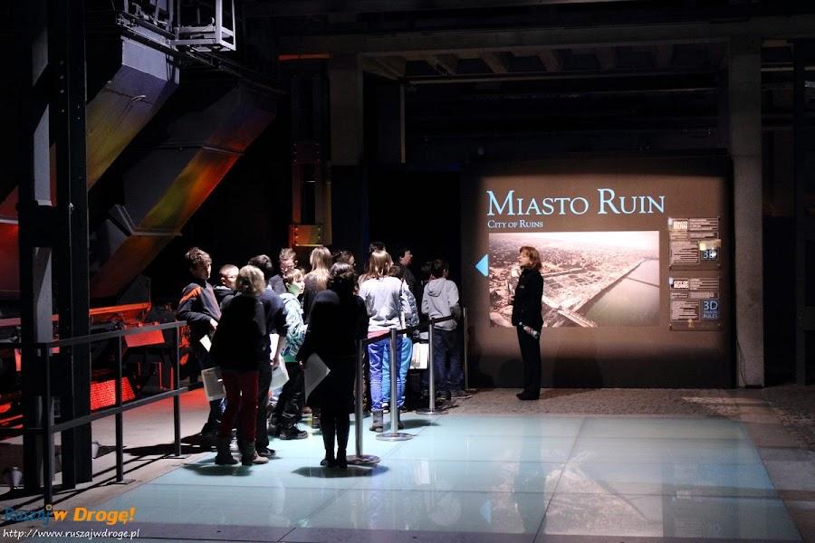 muzeum powstania warszawskiego - miasto ruin film 3D