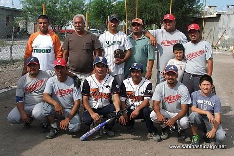 Equipo Albures A del torneo de softbol del Club Sertoma