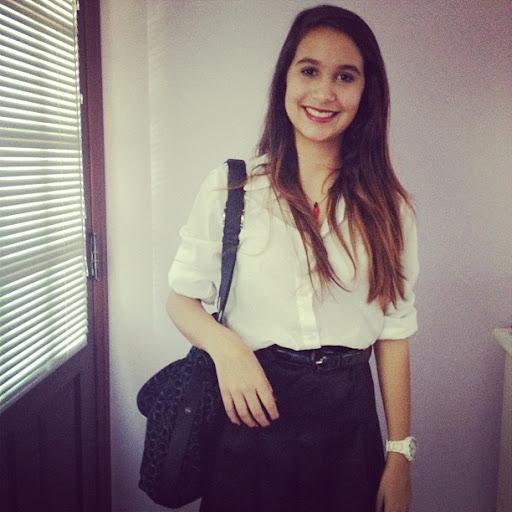 Caroline Matos Photo 9