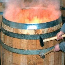 Κατασκευή & ψήσιμο ξύλινου βαρελιού κρασιού (κρασοβάρελου) Garbellotto