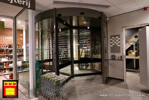 de laatste loodjes voor de opening plus Verbeeten Overloon 06-11-2013 (5).JPG